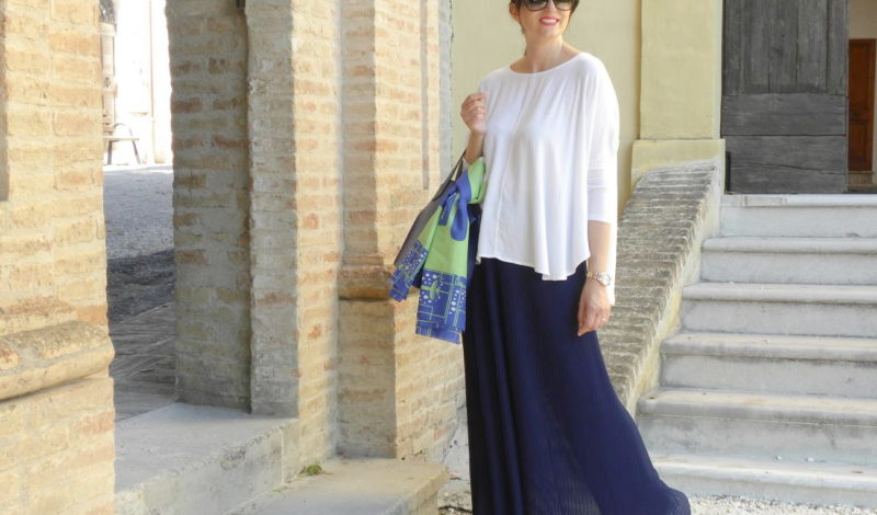 Palazzo pants, white blouse and a twist!