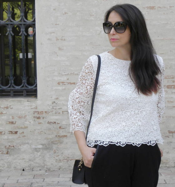 White lace top: a way to wear it.
