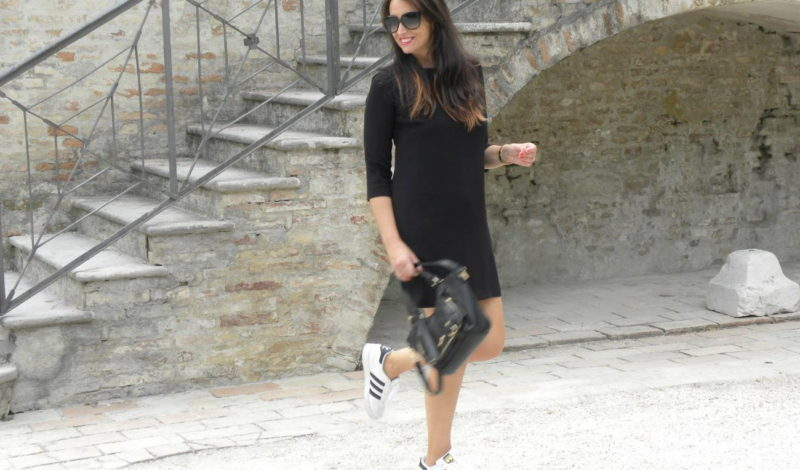 Total black look: my outfit and a pair of Superstar!