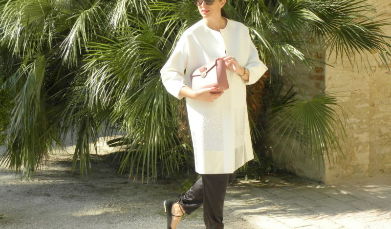 How to wear white in the fall: let's start from the coat!