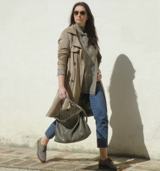 Suede jacket and a pair of lace-up shoes: a perfect match!
