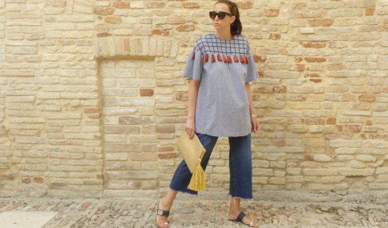 Summer look 2017: an ethnic tunic and denim culottes
