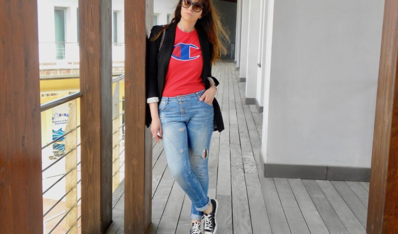T-shirt trend 2018: return of the logo and models to choose!