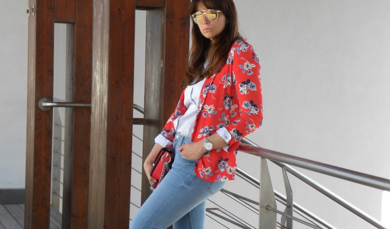 Women floral jacket: a perfect outfit for every day!