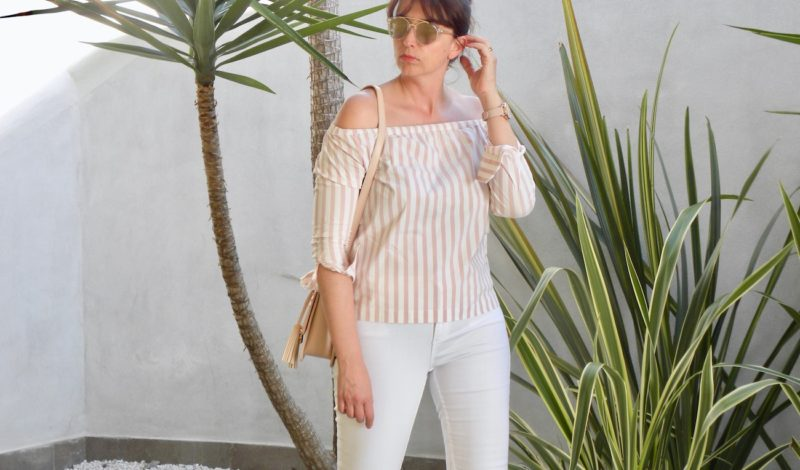 How to wear pink stripes: bare shoulders top for a June look!